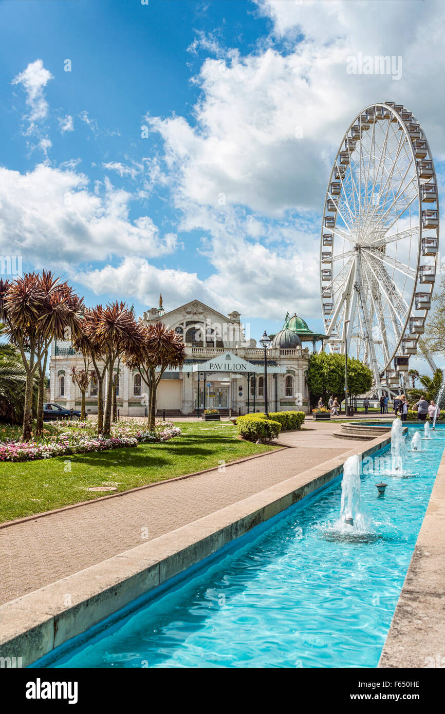 Pavilion and Big Wheel at the Harbor of Torquay, Torbay, England, UK | Pavillion und Big Wheel im Hafen von Torquay - Stock Image