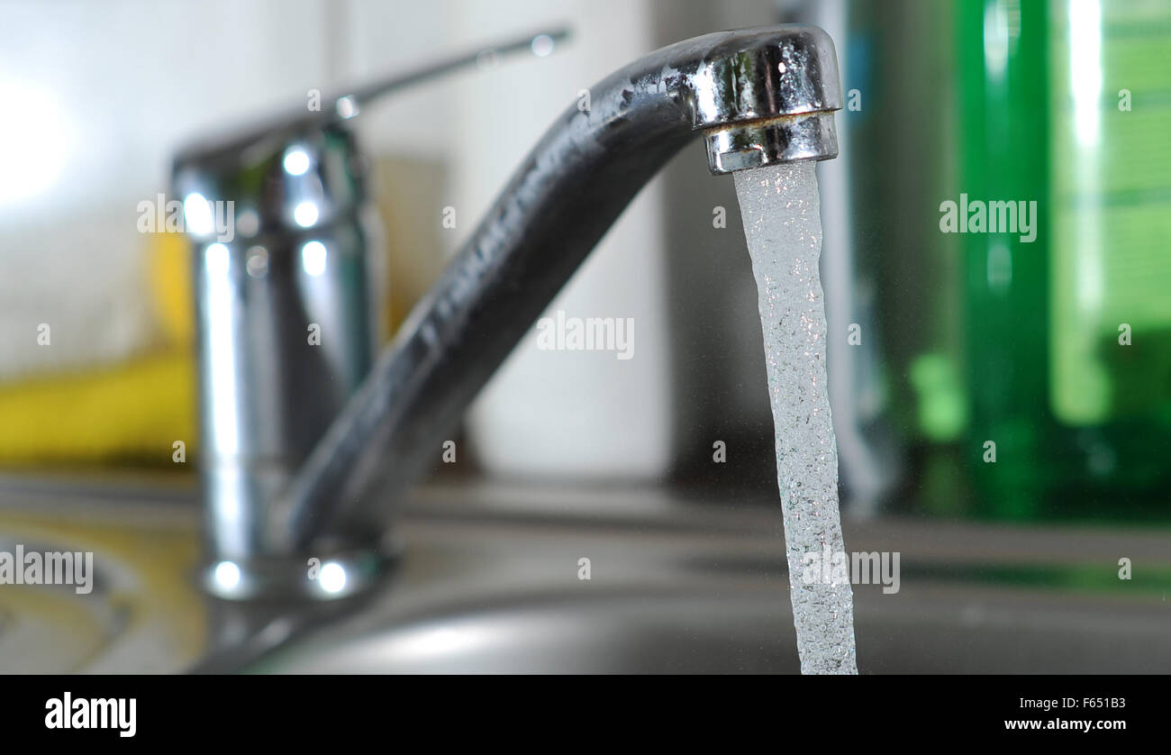 Illustration - Running tap water in Dresden (Saxony), Germany, 11 March 2013. Photo: Thomas Eisenhuth Stock Photo