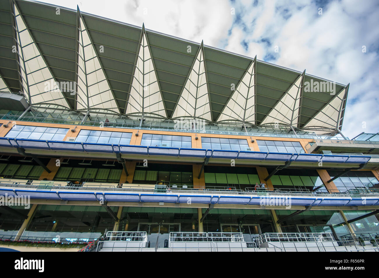 Ascot Racecourse is a British racecourse, located in Ascot, Berkshire, England, which is used for thoroughbred horse - Stock Image