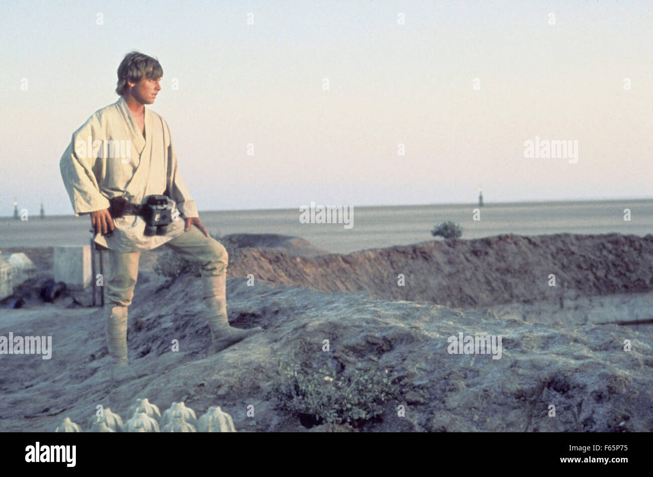 Star Wars: Episode IV - A New Hope Year : 1977 USA Director : George Lucas Mark Hamill - Stock Image