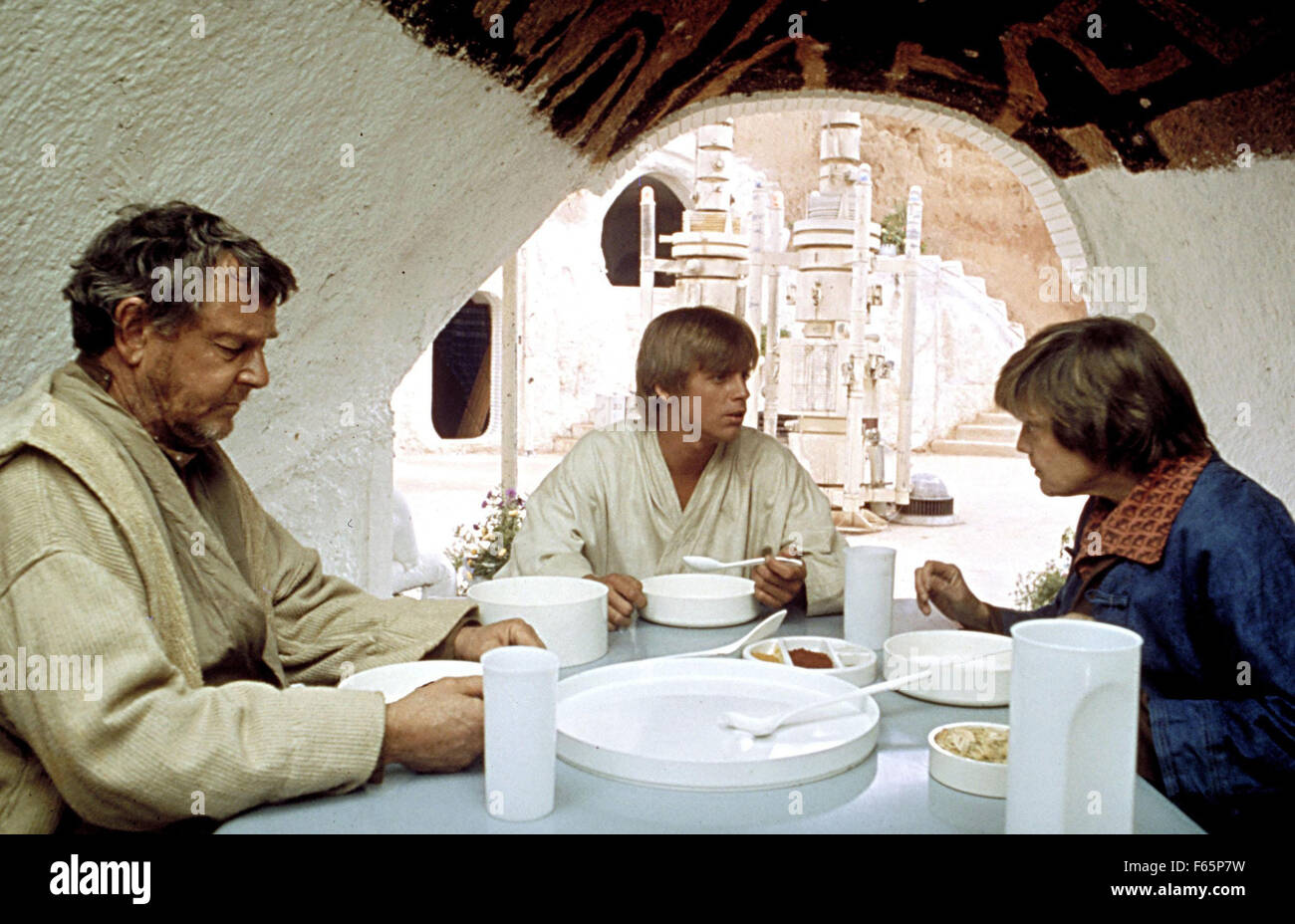 Star Wars: Episode IV - A New Hope Year : 1977 USA Director : George Lucas Phil Brown, Mark Hamill, Shelagh Fraser - Stock Image