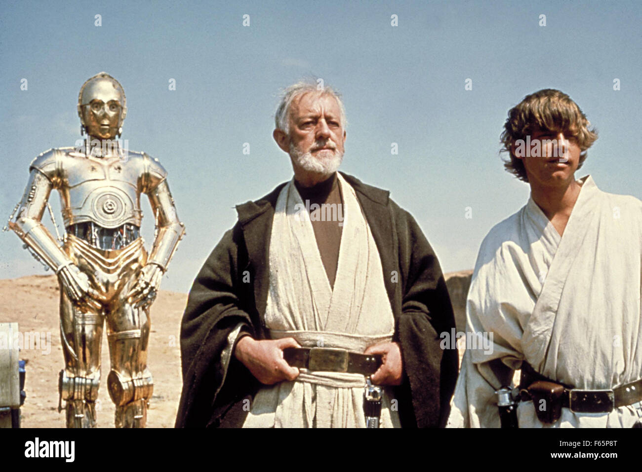 Star Wars: Episode IV - A New Hope Year : 1977 USA Director : George Lucas Alec Guinness, Mark Hamill, Anthony Daniels - Stock Image