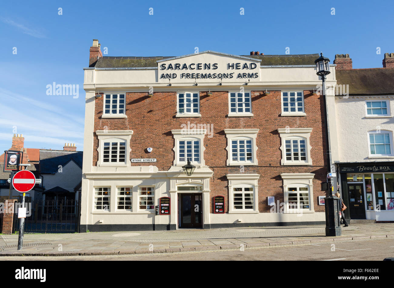 Saracens Head and Freemasons Arms public house in the centre of Dudley, West Midlands - Stock Image