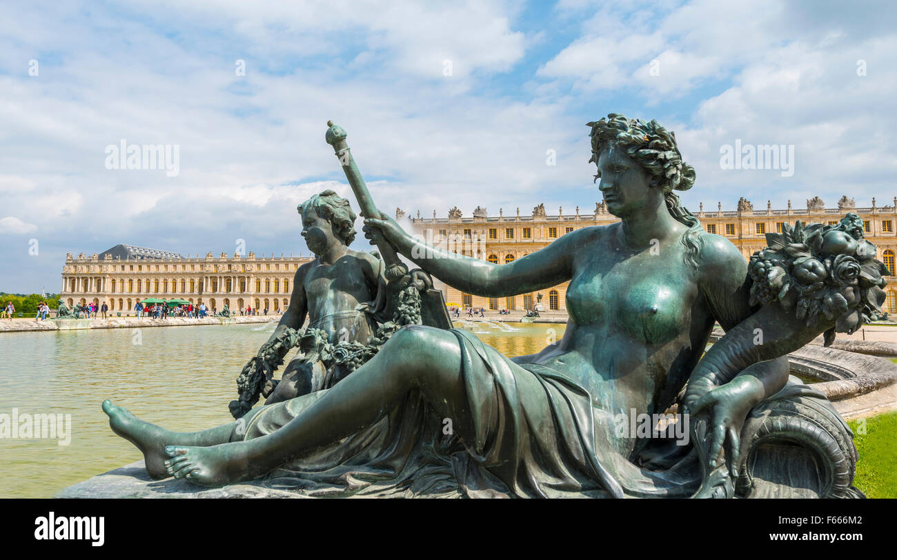 Bronze statue, Palace of Versailles, UNESCO World Heritage Site, Yvelines, Region Ile-de-France, France - Stock Image