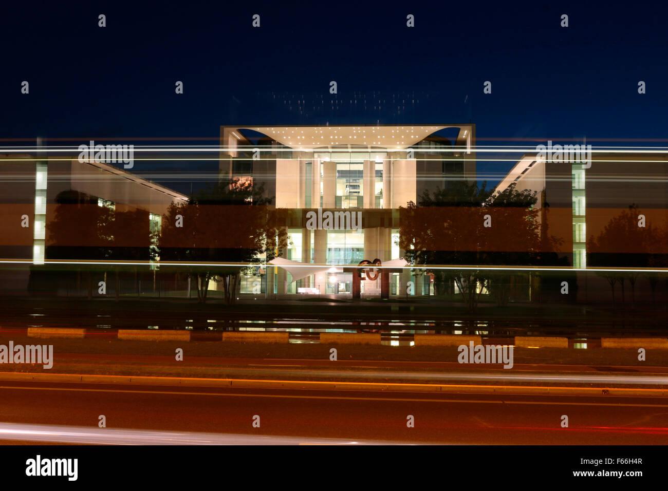 Abendstimmung: Bundeskanzleramt, Berlin-Tiergarten. - Stock Image
