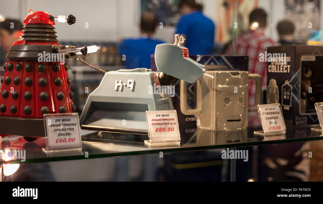 London, UK.  13 November 2015.  A model of a Dalek, K-9 and CyberMan on sale to fans gathered at the Excel Centre - Stock Image