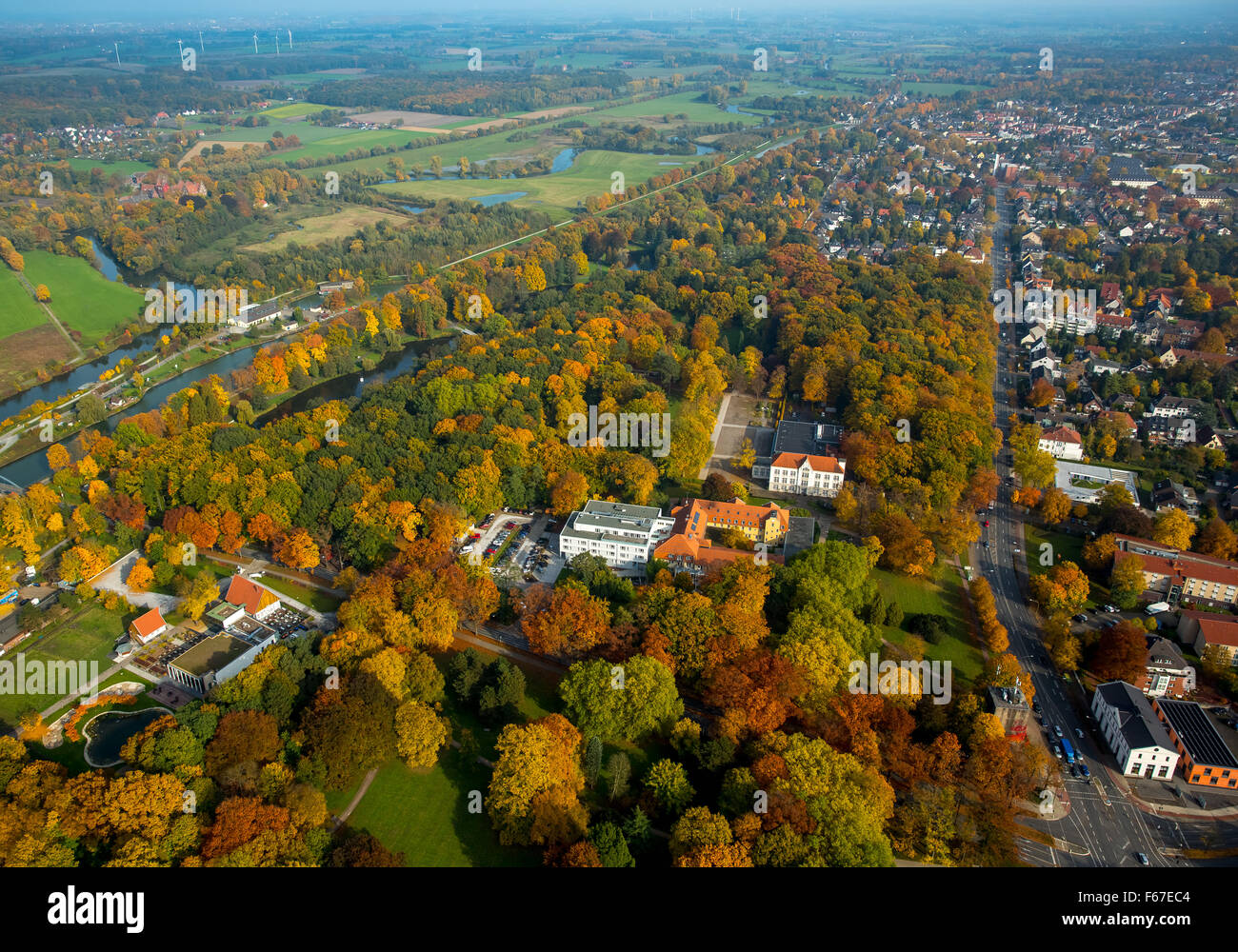 Clinic for Manual Therapy and Kurhaus Bad Hamm in autumn forest at Kurpark Hamm, Ruhrgebiet, North Rhine-Westphalia, - Stock Image