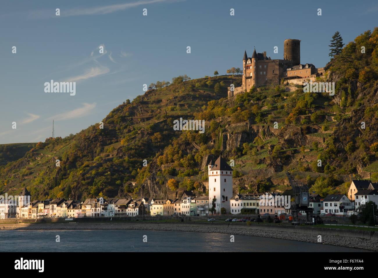 Rhine town of St Goarshausen at foot of Burg Katz castle Stock Photo