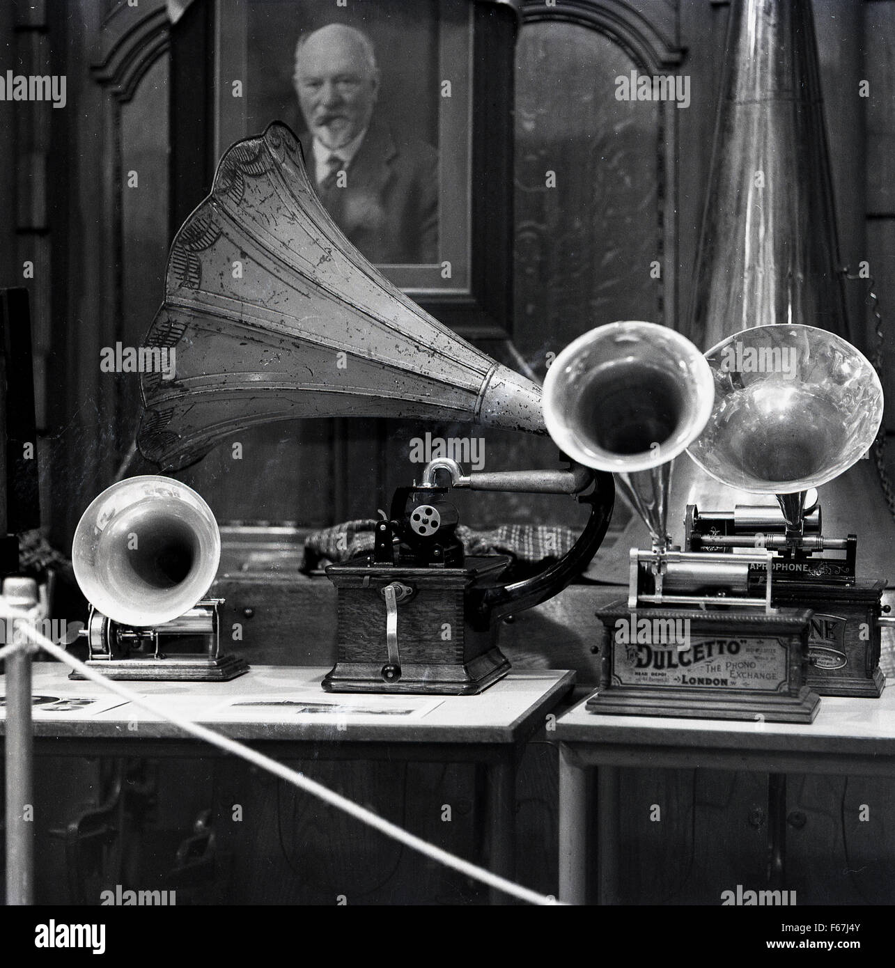 1950s, historical picture of a range of late 19th century musical phonograph (gramophone) cylinder instruments, - Stock Image