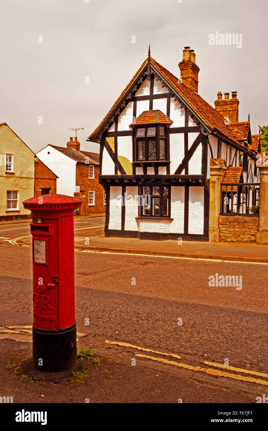 Postbox and Timber Framed Building at Thame - Stock Image