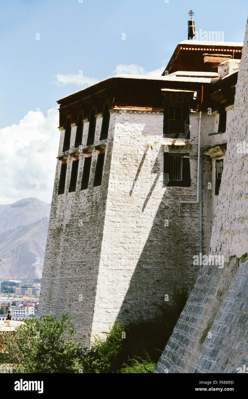 The back side of Potala Palace in the daytime, Lhasa, China - Stock Image