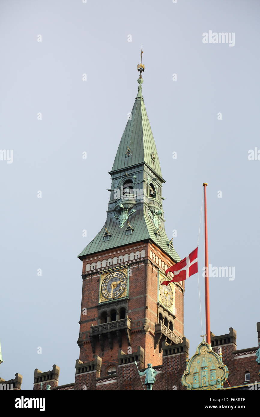 Copenhagen, Denmark. 14th November, 2015. The Danish flag is flown at half mast on public buildings and around the - Stock Image