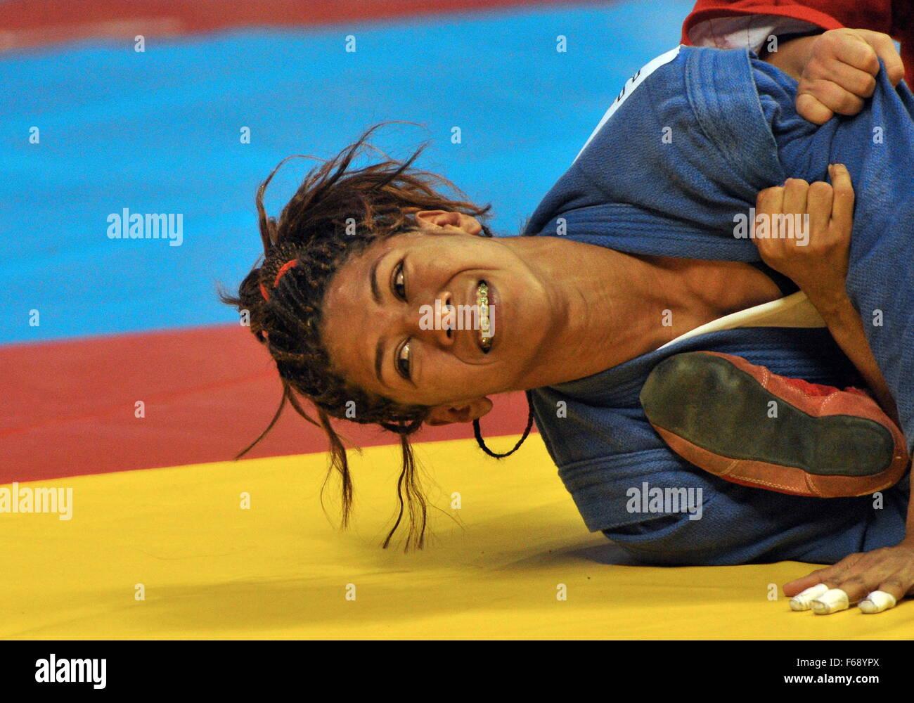 Casablanca, Morocco. 13th Nov, 2015. Venezuela's Maria Guedez defeating Kazakhstan's Aigul Baikuleva during - Stock Image