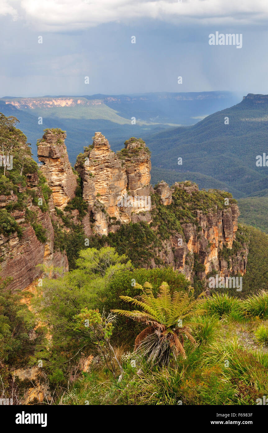 The Three Sisters in Blue Mountains National Park, NSW, Australia Stock Photo