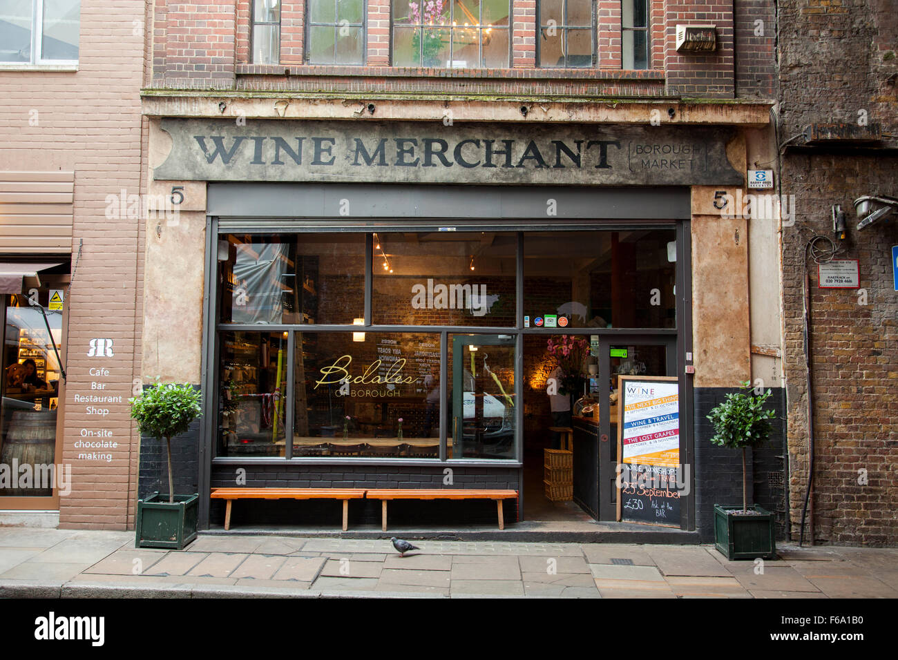 Bedales Wine Merchant, Borough Market, London, England, U.K. - Stock Image