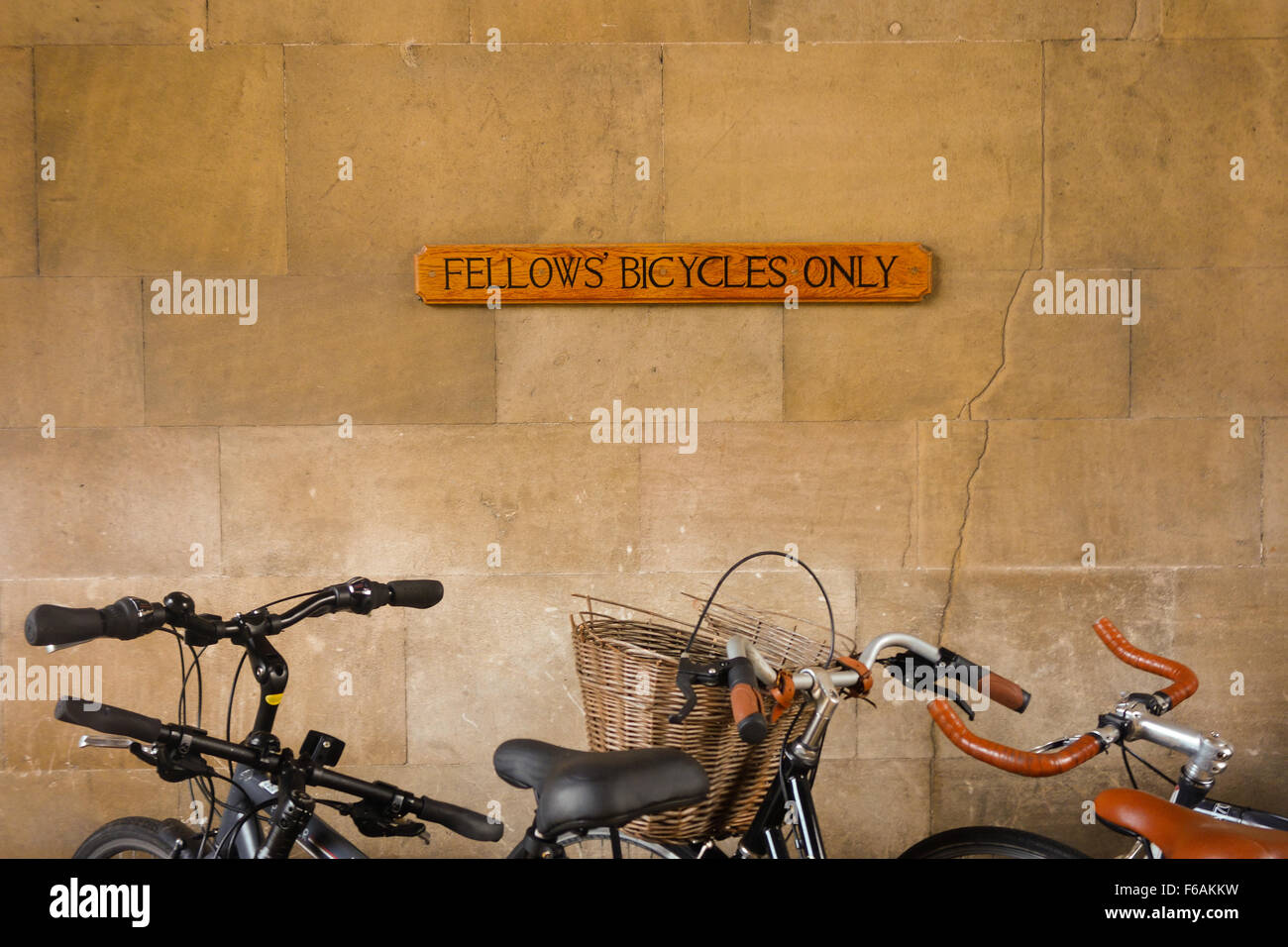 'Fellows' Bicycles Only' sign at Corpus Christi Collage, Cambridge University, England - Stock Image