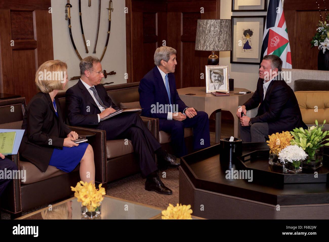 Secretary Kerry, Ambassador Wells, Acting Special Envoy Lowenstein Sit With Jordanian King Abdullah Before Bilateral - Stock Image