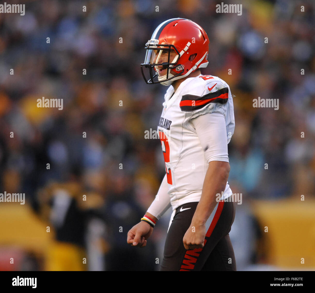 0a98e1823 Johnny Manziel #2 during the Cleveland Browns vs Pittsburgh Steelers game  at Heinz Field in Pittsburgh, PA. Jason Pohuski/CSM/Alamy Live News