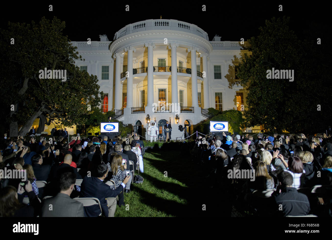 President Barack Obama delivers remarks during the second White House Astronomy Night on Monday, Oct. 19, 2015 The - Stock Image