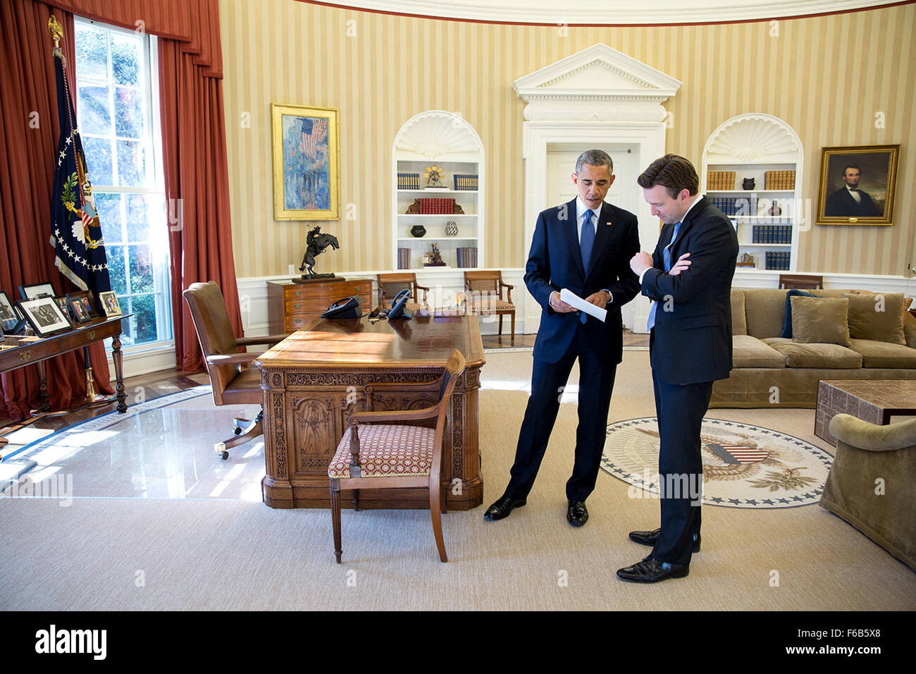 oval office july 2015. President Barack Obama Talks With Press Secretary Josh Earnest In The Oval Office, Feb. 3, 2015. Office July 2015 T