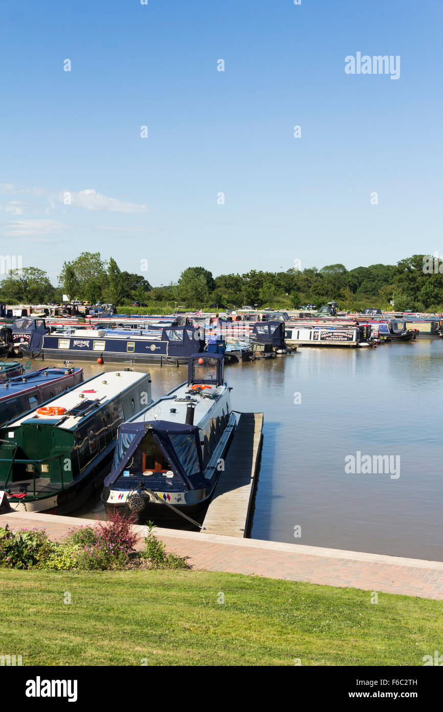 Narrowboats moored at Church Minshull Aqueduct Marina, Cheshire. - Stock Image