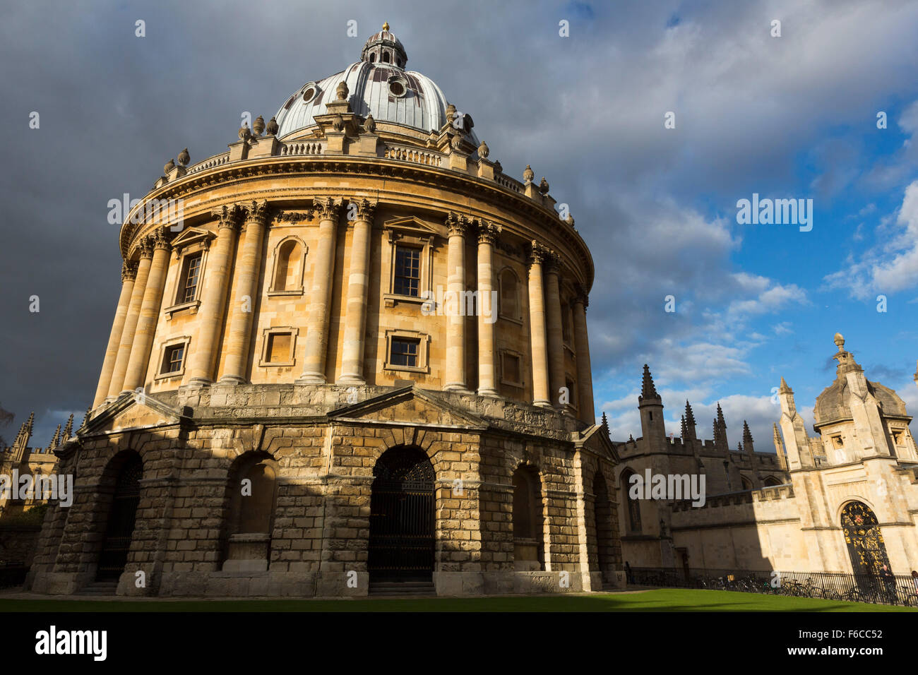 Radcliffe camera in the sun, Oxford, UK. - Stock Image