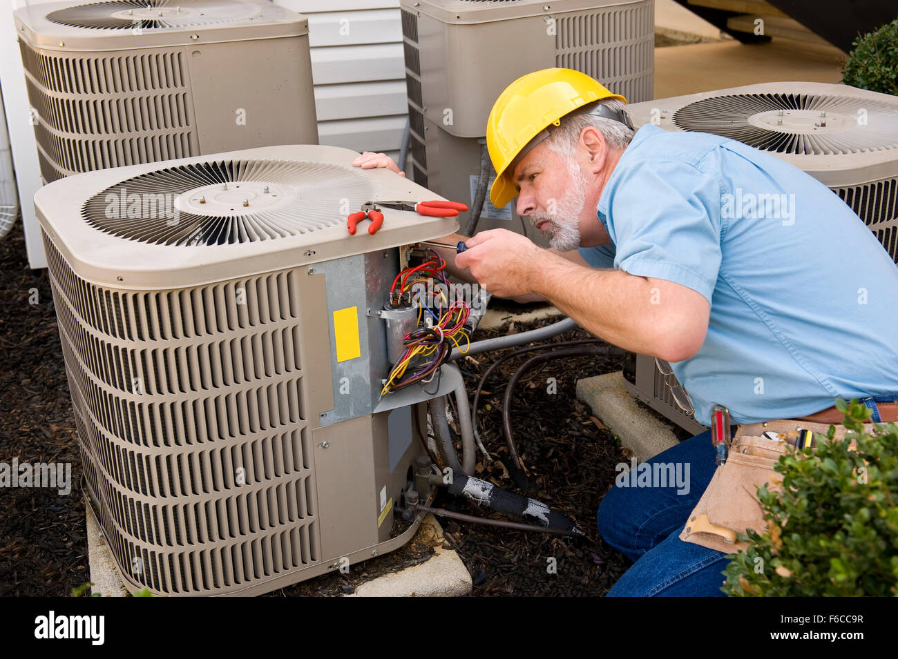 How air conditioning works in an apartment, car or mobile 62