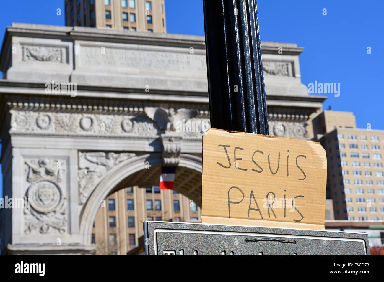 New York, USA. 15th Nov, 2015. Signs of solidarity with Paris in Washingtonn Square Park, New York City. Credit: Stock Photo