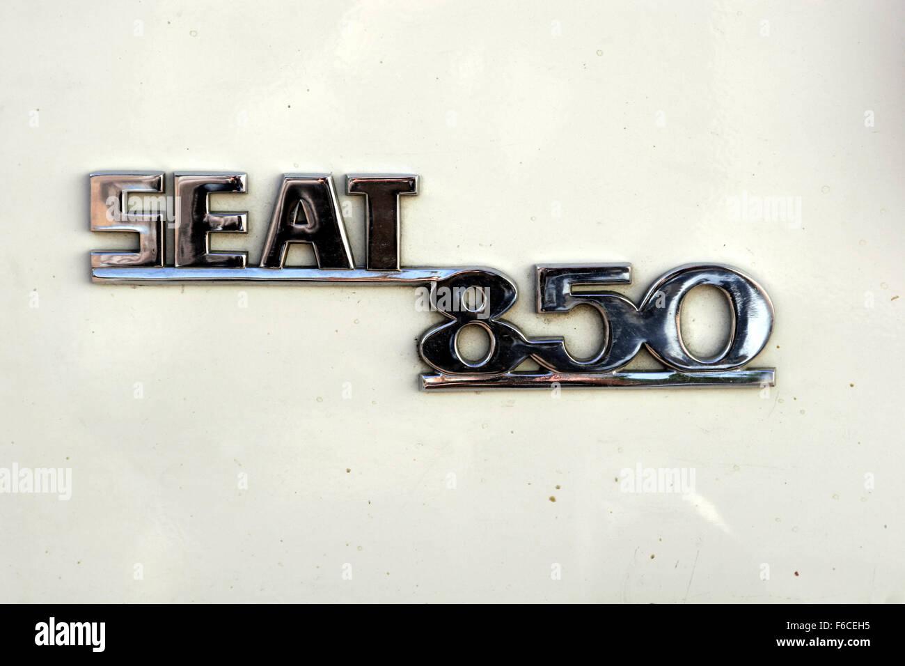Albacete Circuit : Classical seat 600 car meeting in albacete spain. seat 850 logotype