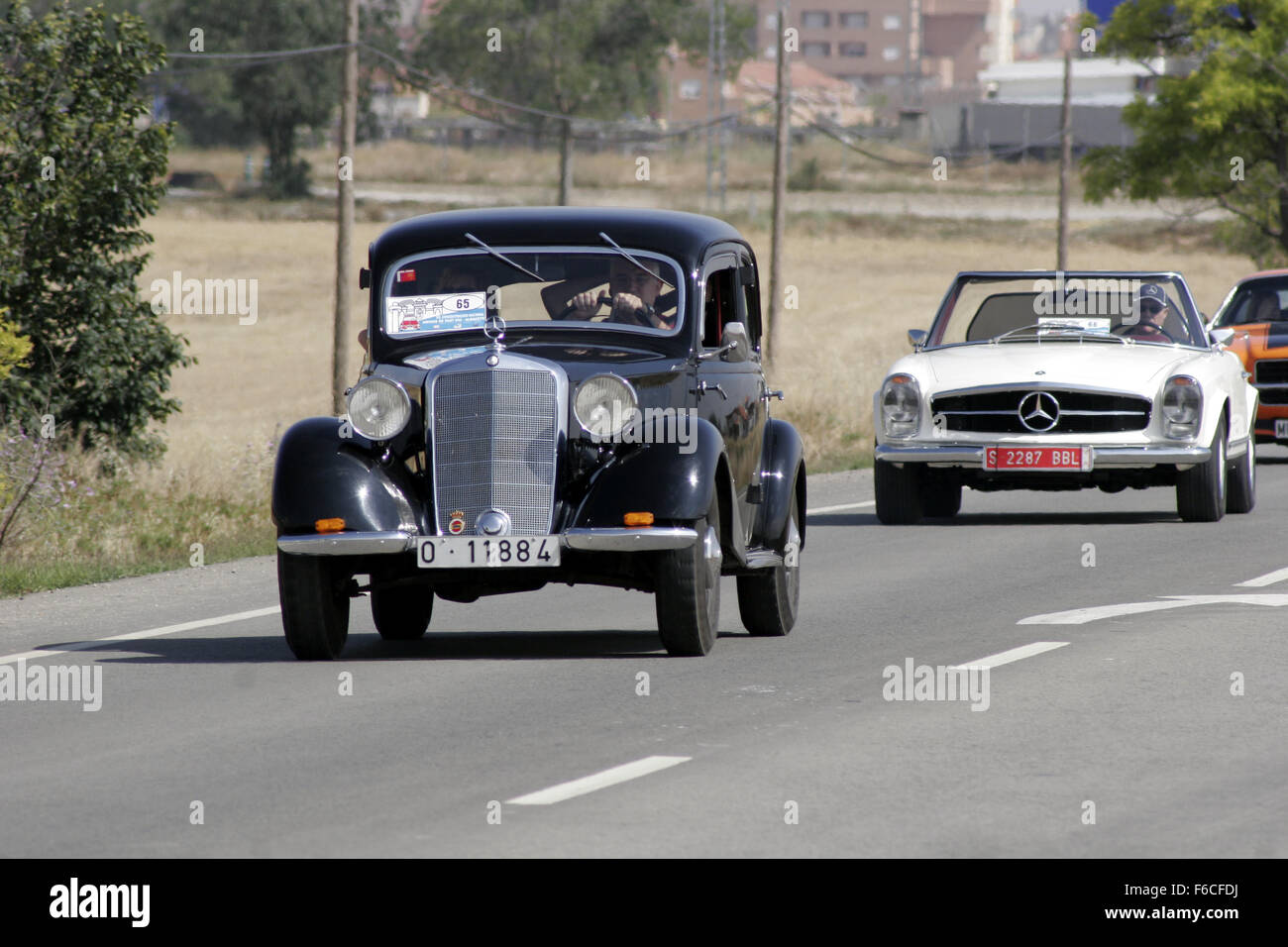 Albacete Circuit : Classical seat 600 car meeting in albacete spain. old mercedes cars