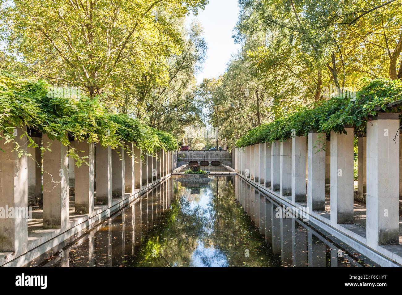 France, Paris, Parc de Bercy - Jardin de Yitzhak Rabin - Stock Image