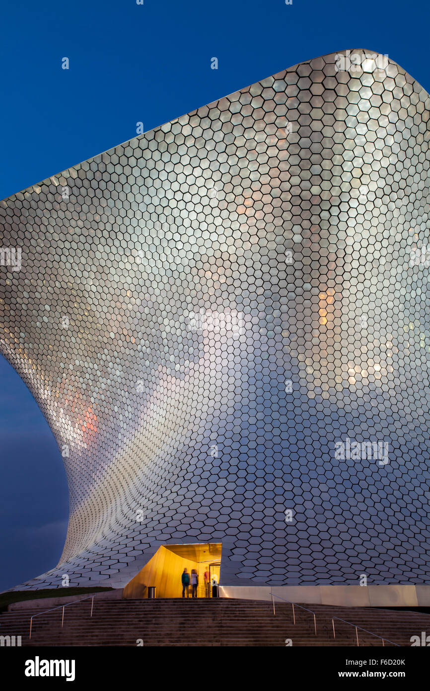 Entrance to the Soumaya Museum of Art in Mexico City, Mexico. - Stock Image