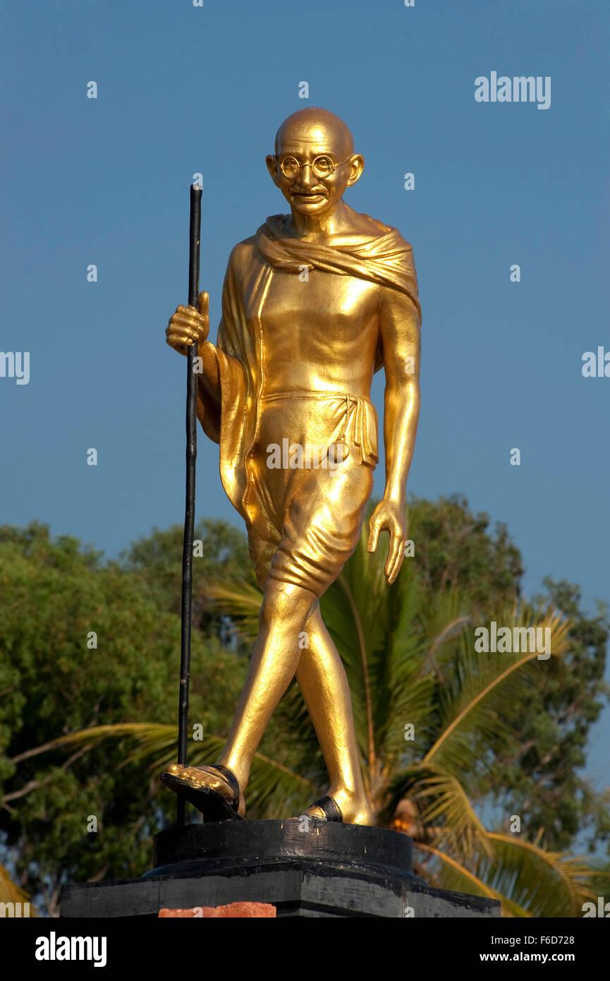 Mahatma gandhi statue, quilon beach, kerala, india, asia - Stock Image