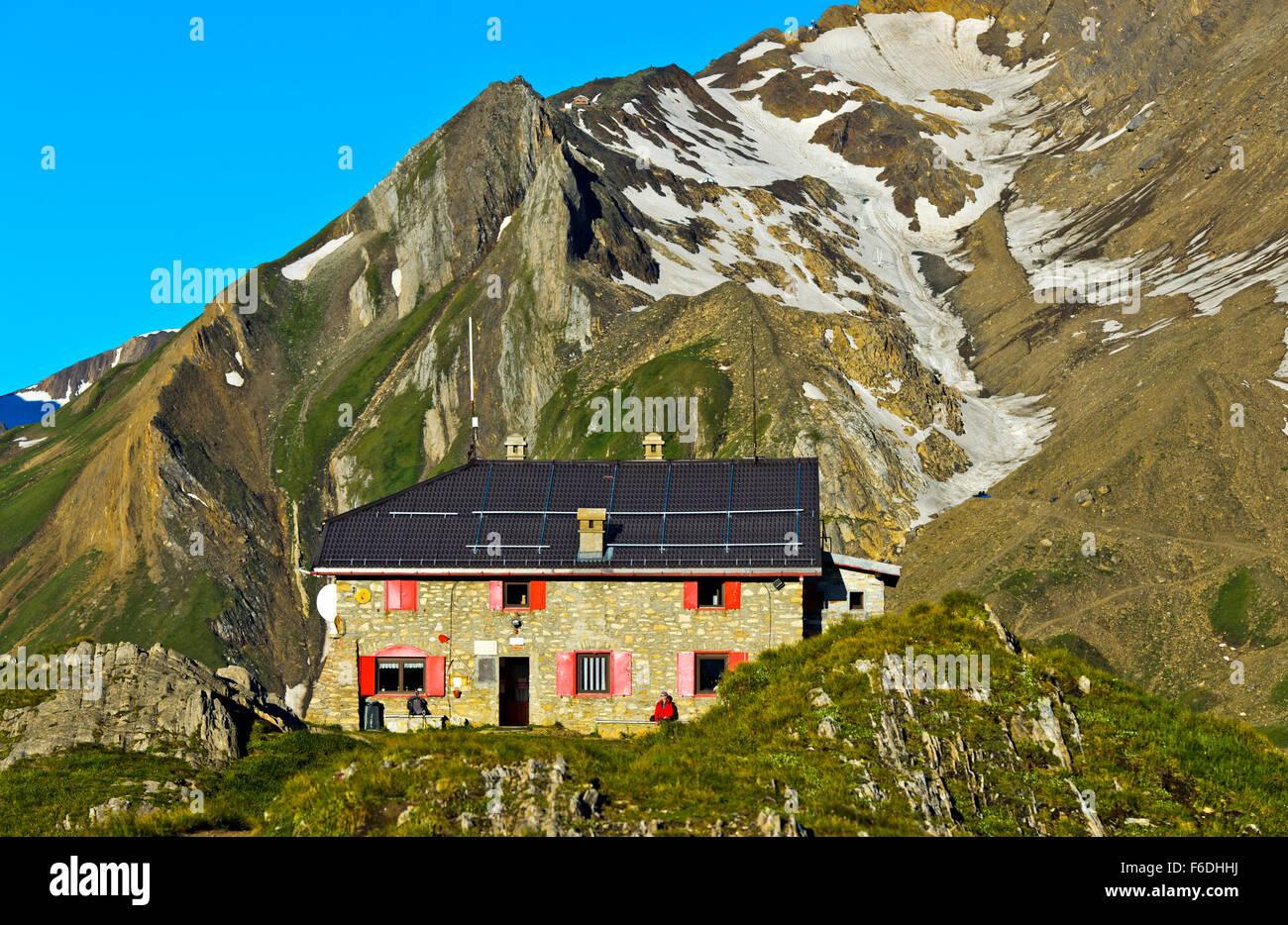 Mountain hut Rifugio Città di Busto, Formazza valley, Piedmont, Italy - Stock Image