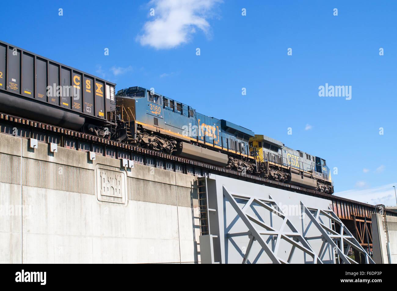 Two CSX diesel locomotives above Richmond's flood defences Richmond, Virginia  USA Stock Photo