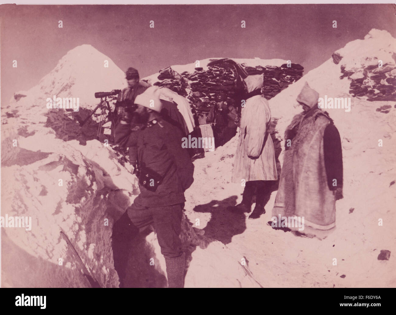 729. Italian Mountain Troops Ortler Alps,South Tyrol 1944 Stock Photo