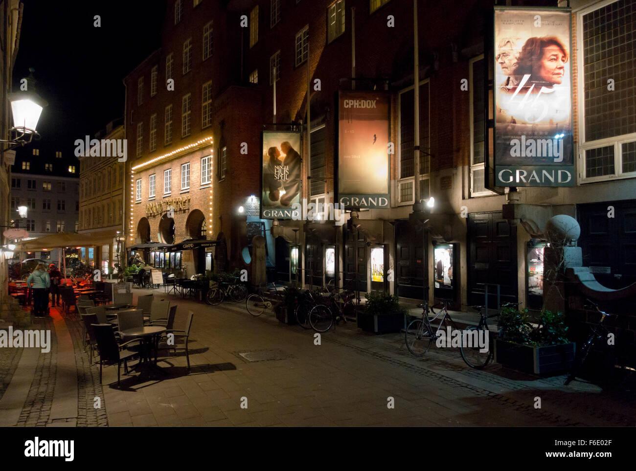 Outdoor Movie Theatre Stock Photos & Outdoor Movie Theatre Stock ...