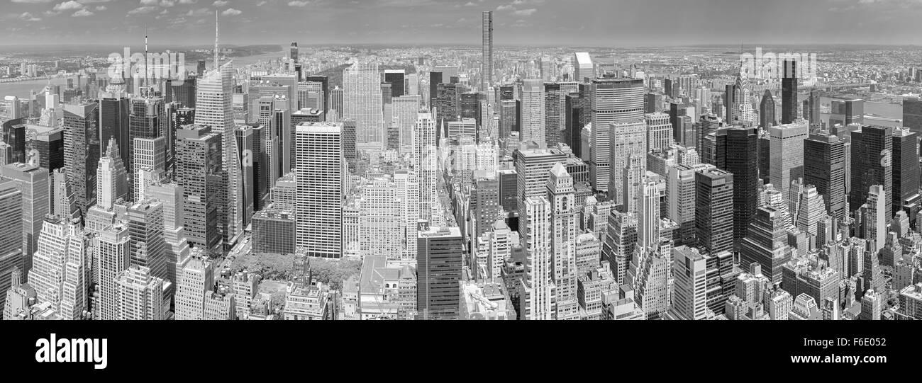 Black and white aerial view of Manhattan, New York City, USA. - Stock Image