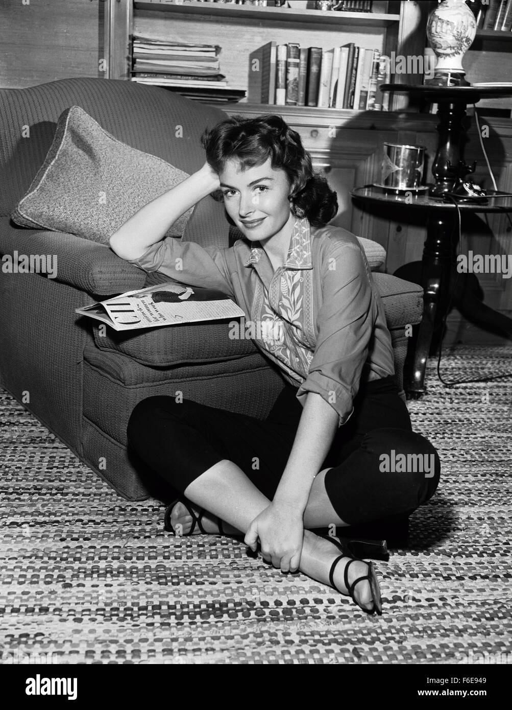 RELEASE DATE: November 18, 1954. MOVIE TITLE: The Last Time I Saw Paris. STUDIO: Metro-Goldwyn-Mayer (MGM). PLOT: - Stock Image