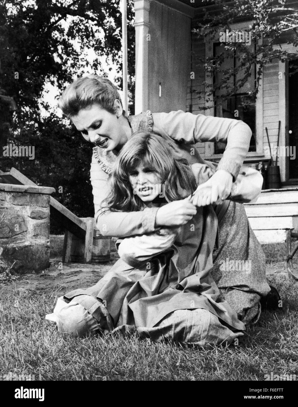 Jan 15, 1962; USA; RELEASE DATE: 1962. DIRECTOR: Arthur Penn. STUDIO: MGM. PLOT: Young Helen Keller, blind, deaf, - Stock Image