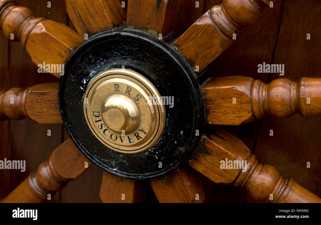 Close up of the ships wheel on RRS Discovery Royal Research Ship moored at Discovery Point Dundee - Stock Image