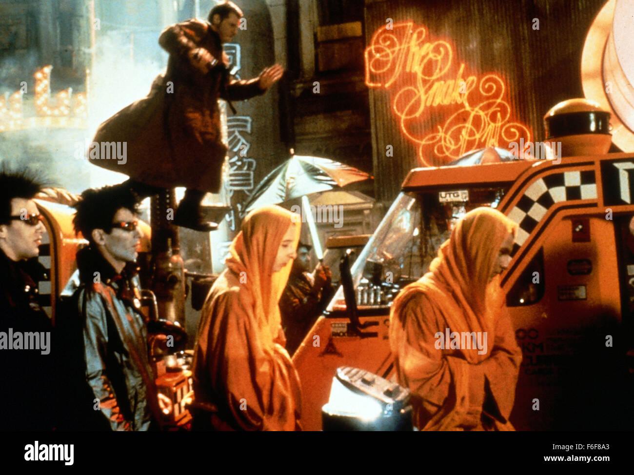 Film Title:  BLADE RUNNER. DIRECTOR:  Ridley Scott.  STUDIO:  WARNER BROS.  PLOT:    In a cyberpunk vision of the - Stock Image