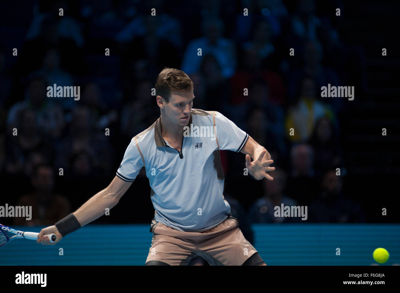 O2 Arena, London, UK. 17th Nov, 2015. Barclays ATP World Tour Finals. Tomas Berdych (CZE) vs Kei Nishikori (JPN) Stock Photo