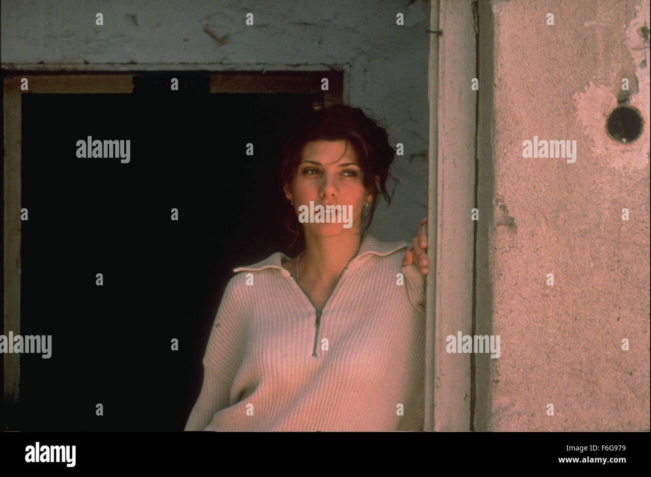 Nov 26, 1997; Los Angeles, CA, USA; Actress MARISA TOMEI as Nina in the Miramax war/drama, 'Welcome to Sarajevo.' - Stock Image
