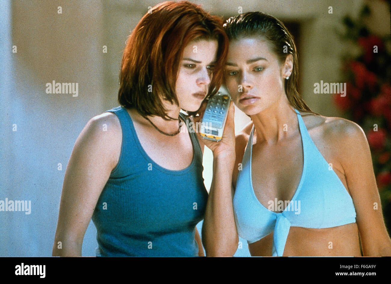 Mar 20, 1998; Los Angeles, CA, USA; (L-R): Actress NEVE CAMPELL is Suzie Marie Toller and actress DENISE RICHARDS - Stock Image