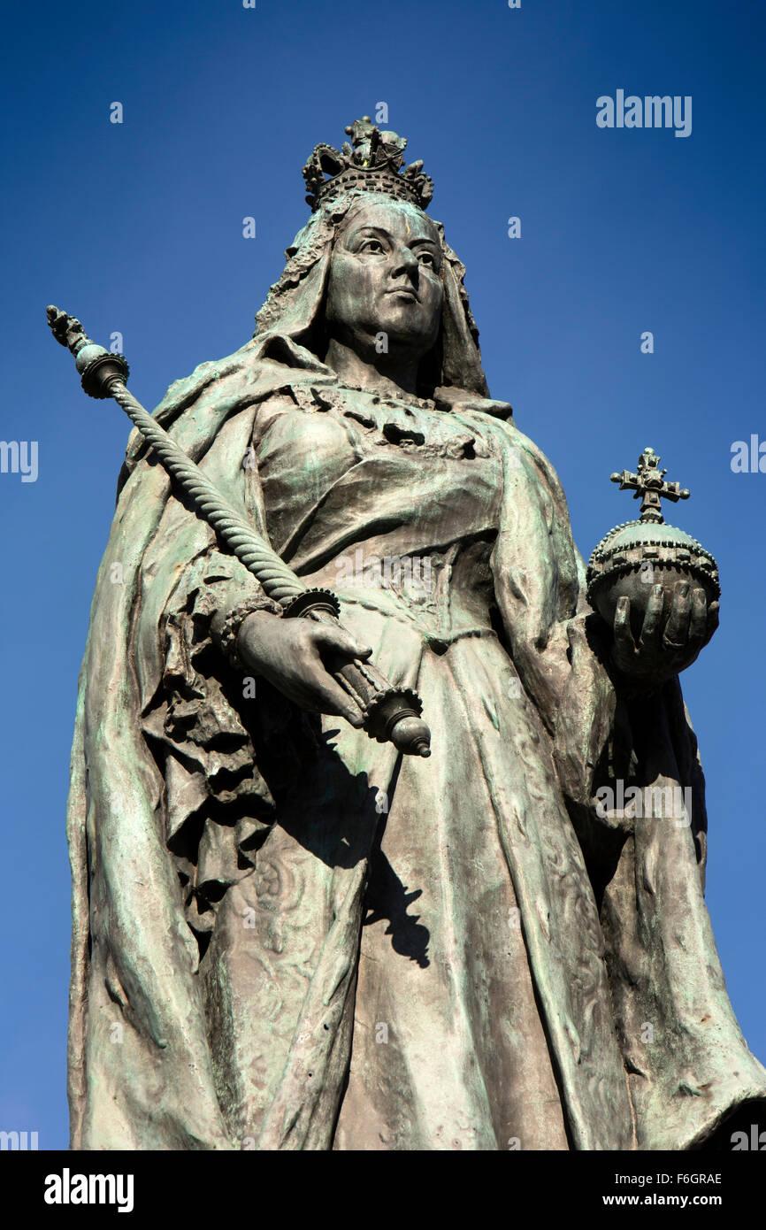 UK, England, Yorkshire, Hull, Queen Victoria Diamond Jubilee memorial - Stock Image