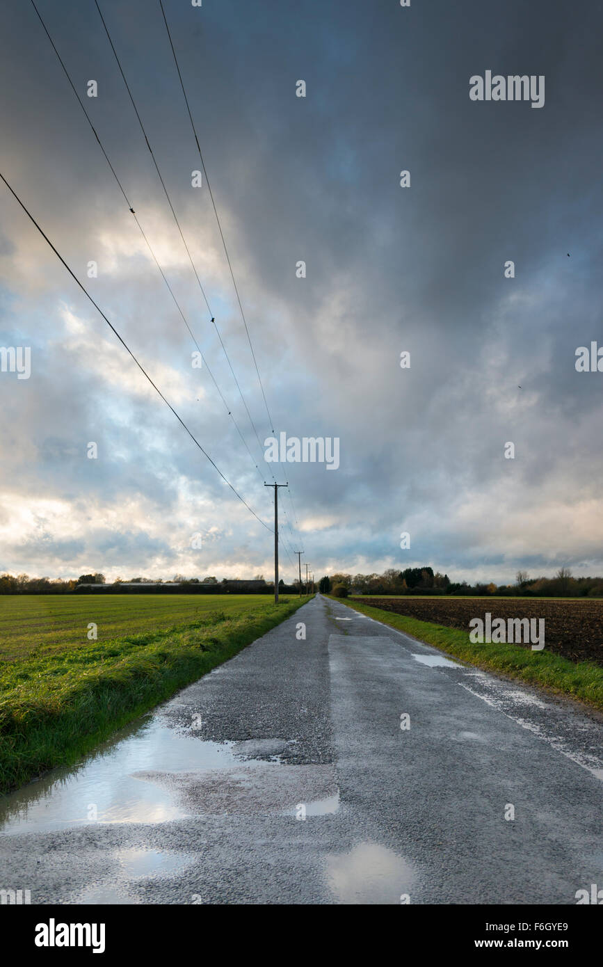 Cambridgeshire Fens, UK. 17th Nov 2015. Storm Barney fills the wide open skies of the Cambridgeshire Fens at Over, UK. As the weather system arrived in East Anglia clouds moved quickly across the sky and the wind began to whip up in the open landscape.  The wind is due to pick up during this evening and overnight as the storm continues to move eastwards over the UK. Credit Julian Eales/Alamy Live News Stock Photo