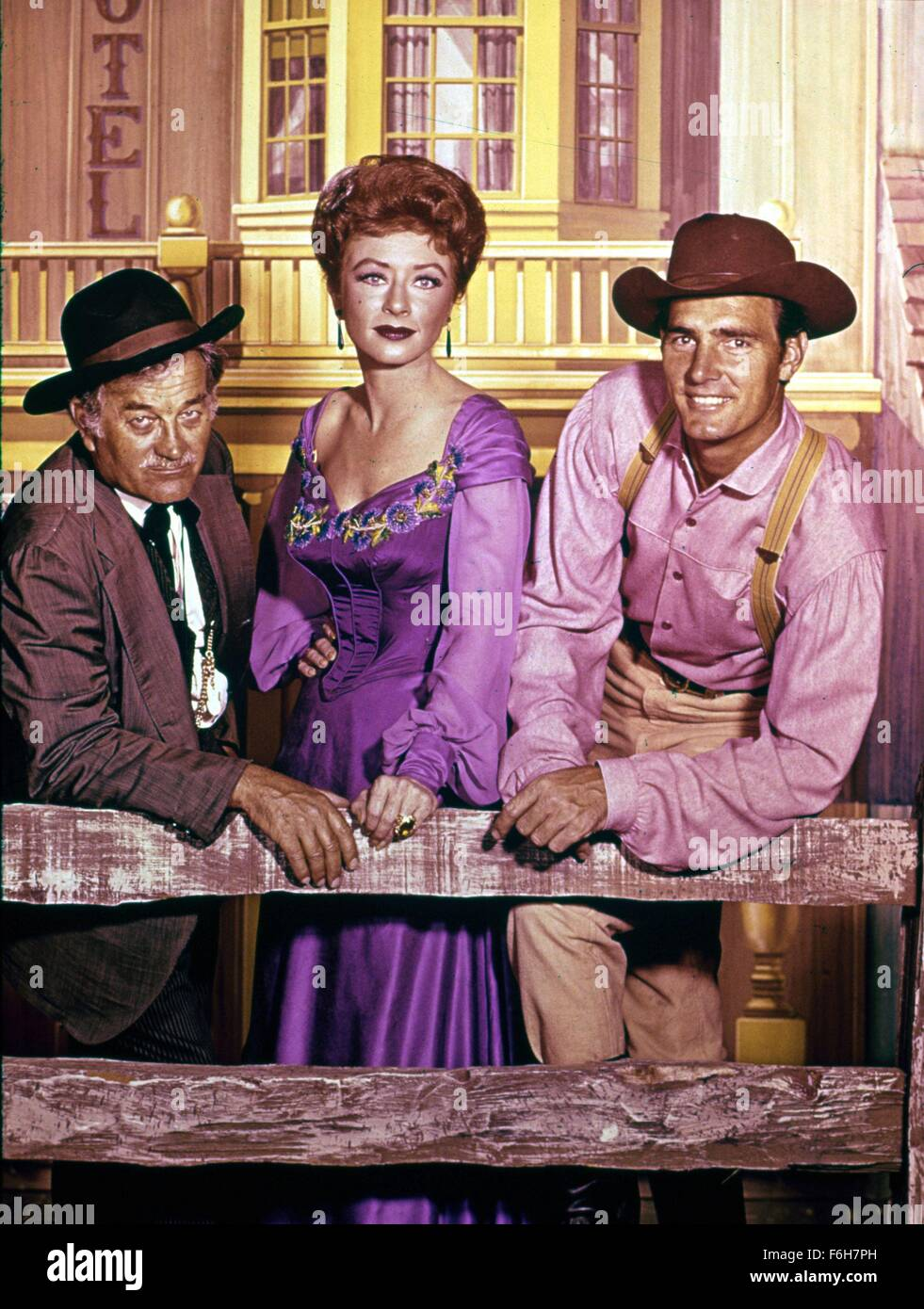 Gunsmoke Tv Stock Photos & Gunsmoke Tv Stock Images - Alamy