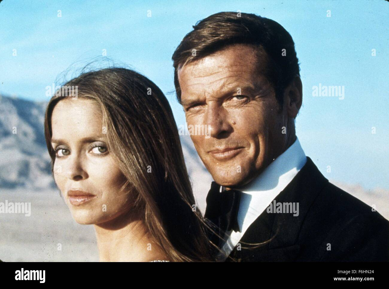 1977, Film Title: SPY WHO LOVED ME, Director: LEWIS GILBERT, Pictured: BARBARA BACH, LEWIS GILBERT, JAMES BOND. - Stock Image