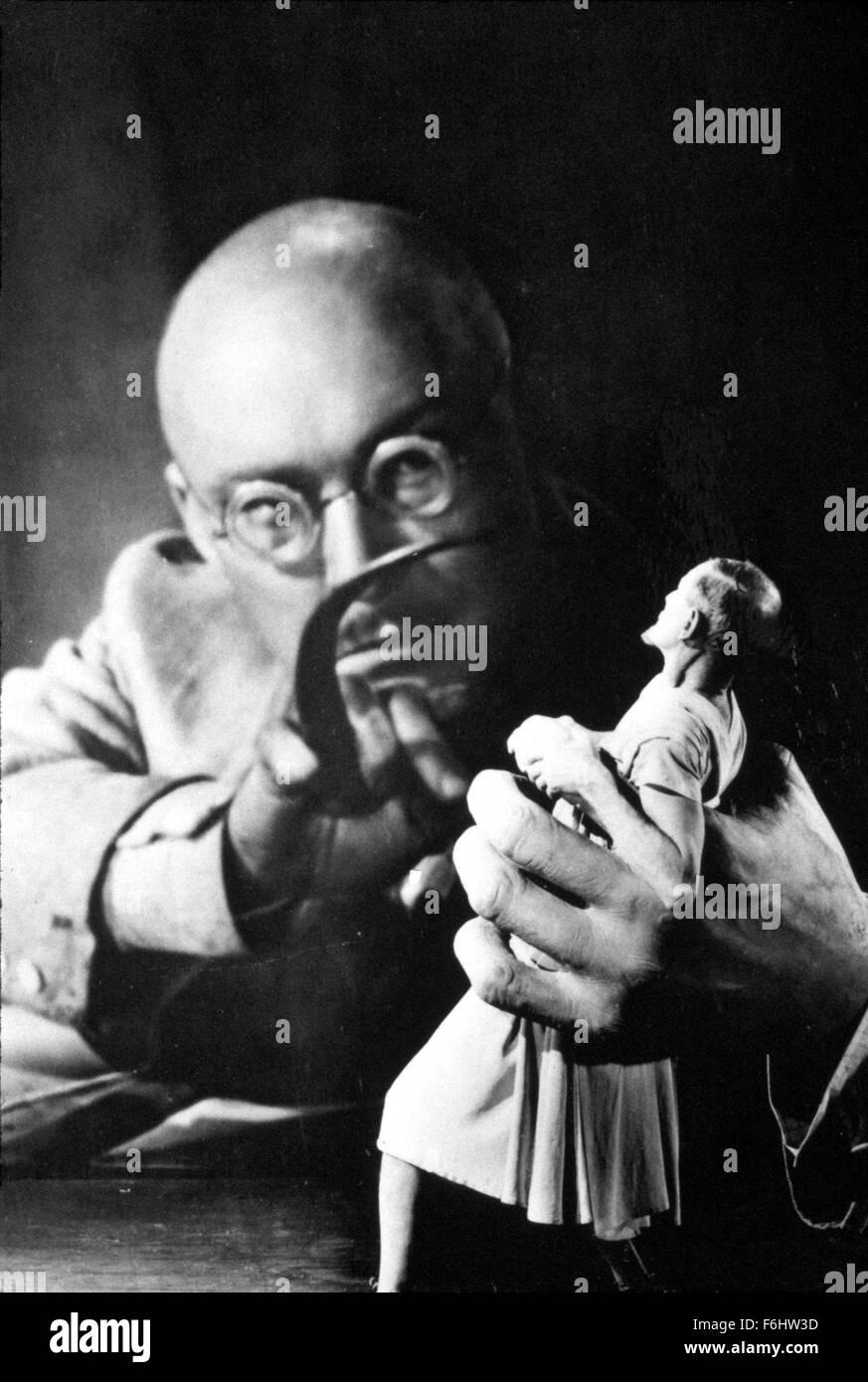 1940, Film Title: DR. CYCLOPS, Director: ERNEST SCHOEDSACK, Studio: PARAMOUNT, Pictured: ALBERT DEKKER, CHARLES - Stock Image